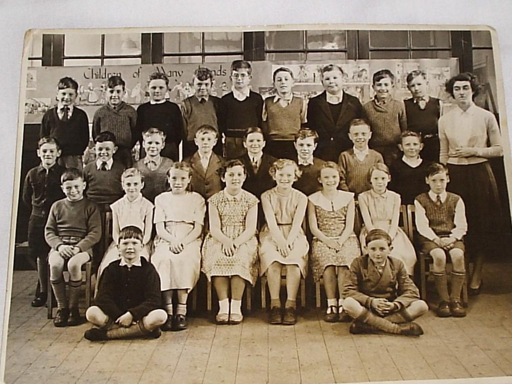 Downall Green R.C. Junior Mixed - late 1950's