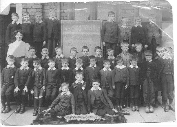 Ince Central School pupils, 1907.