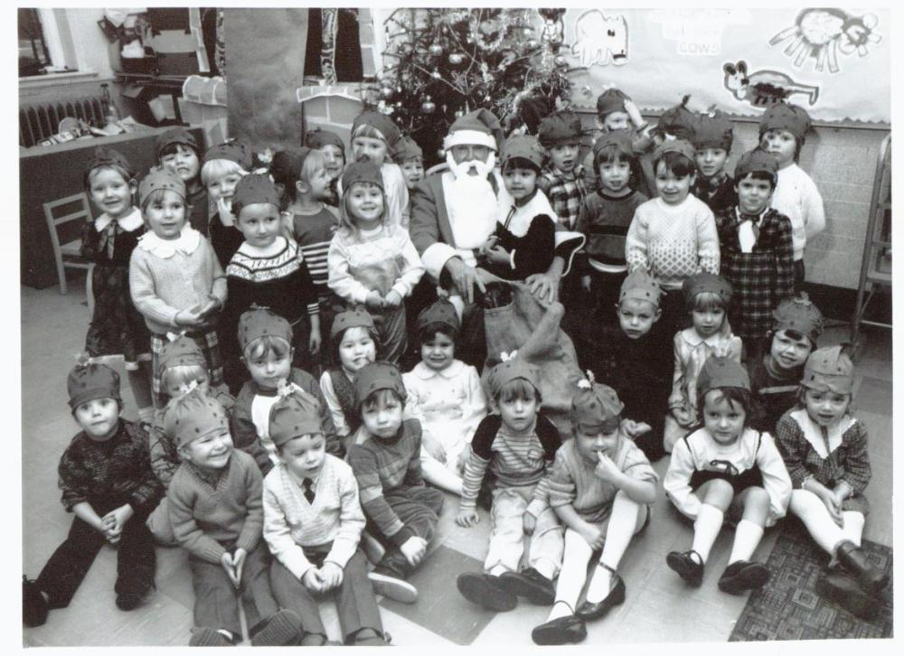 Christmas pudding hats 1985