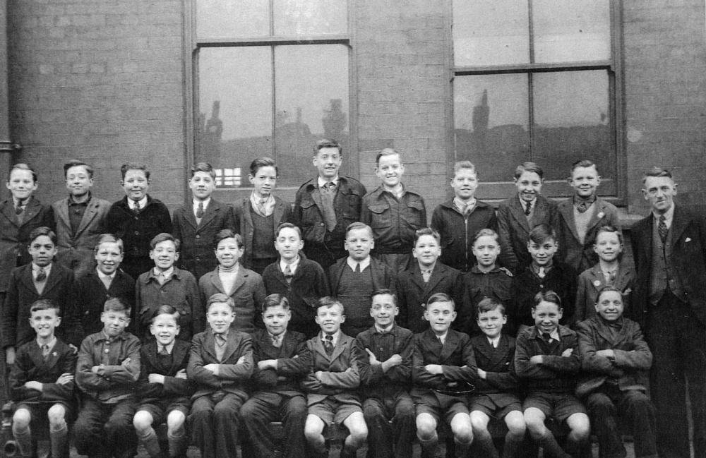 From Graham Worthington - Mr Hilton's Class of '46, Spring View School