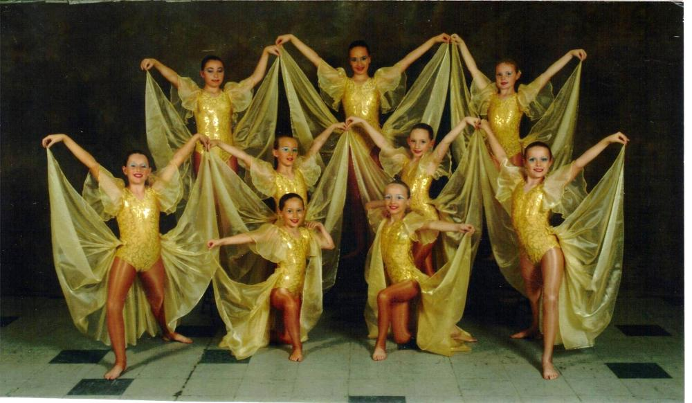 JUNIOR  LYRICAL TROUPE  SHOWTIME  2006