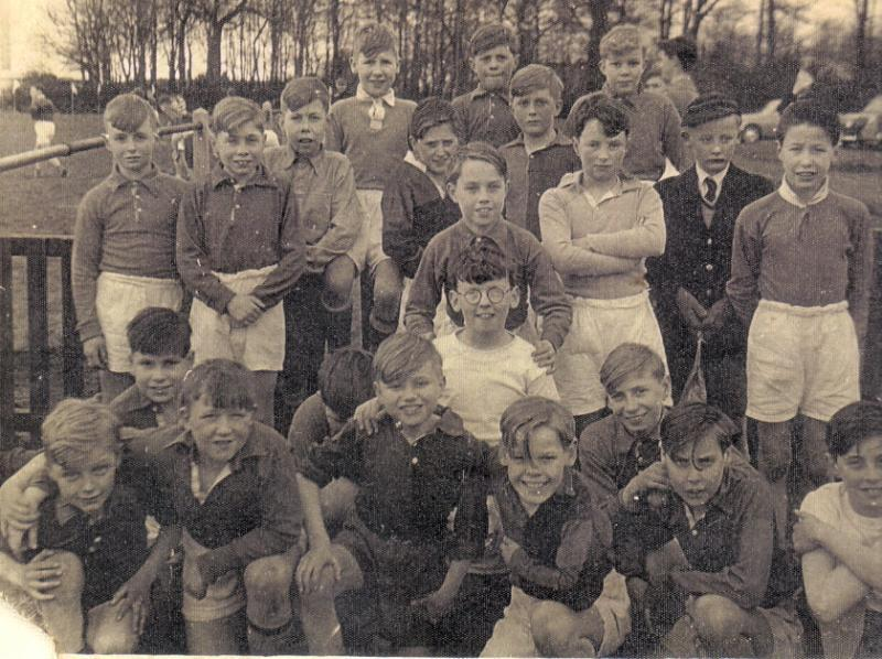 1st year, Grammar School 1957/8. Before our regular cross country slog at Prospect Park.
