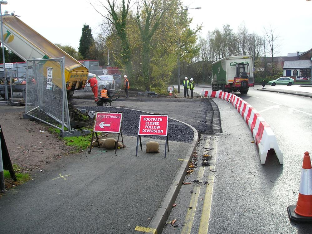 13-11-2009-forming the new temporary access to Coppull Lane.