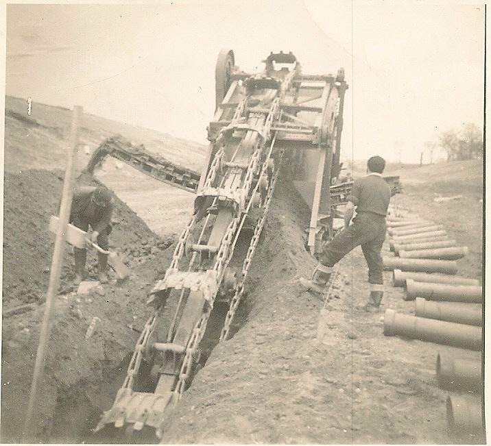 Allen Trencher at work -Gathurst Fold 22-03-1962.