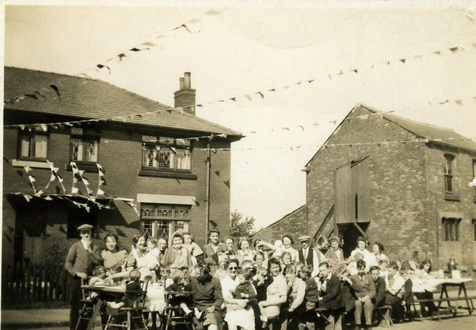 Street party 1945