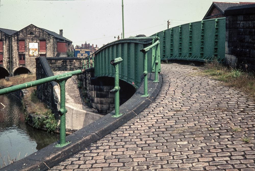 THE ROAD TO WIGAN PIER   2