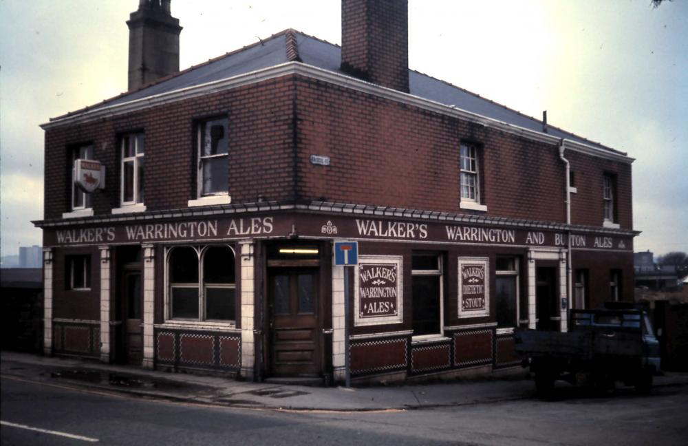 Can anyone identify this pub?
