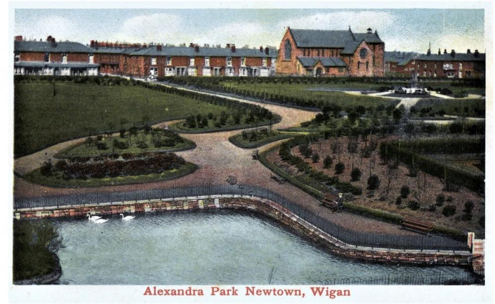 Alexandra Park, Newtown, showing the lake.