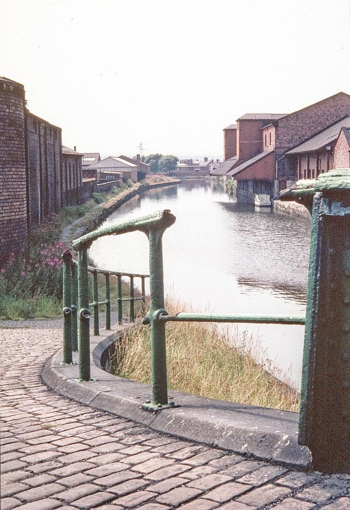 THE ROAD TO WIGAN PIER   1