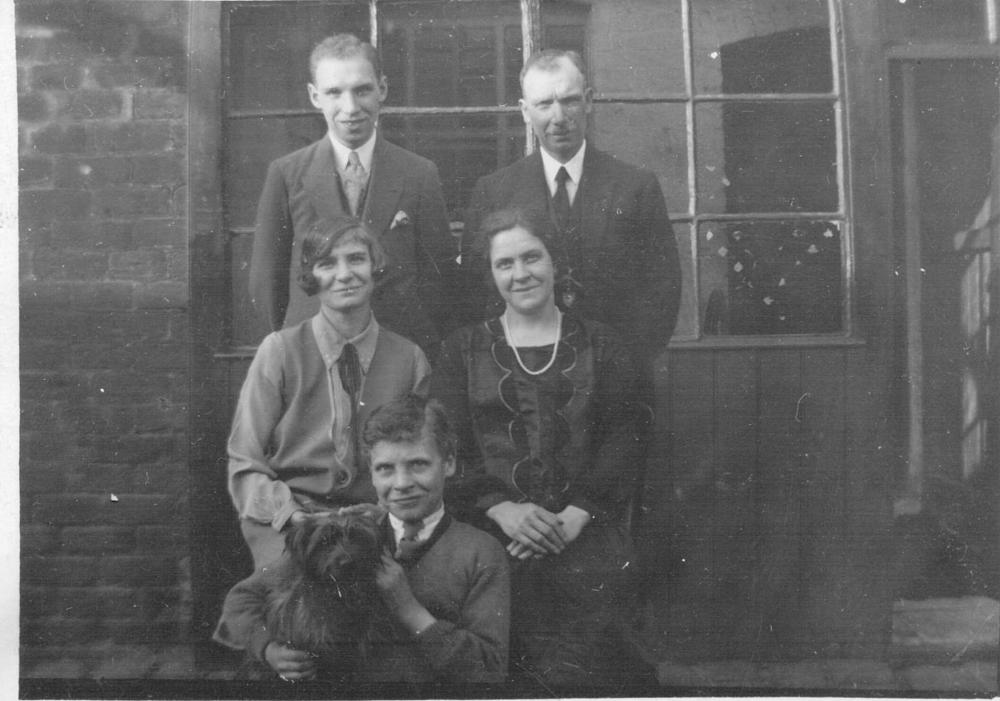 Cain Family at 15 Francis Street, Ince
