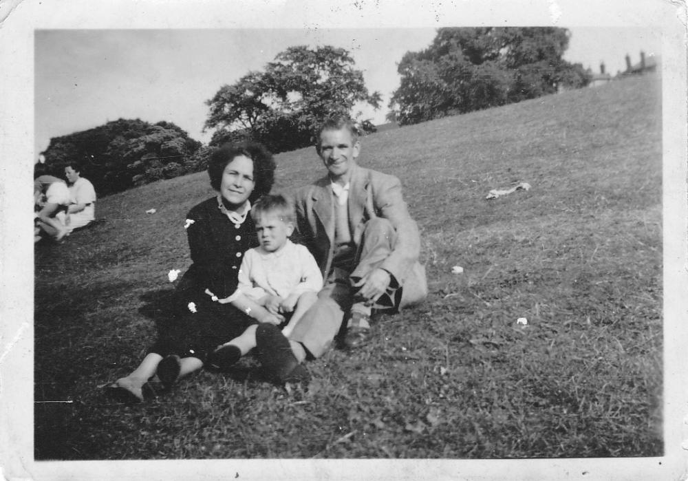 me mam and dad in't park wi'me.