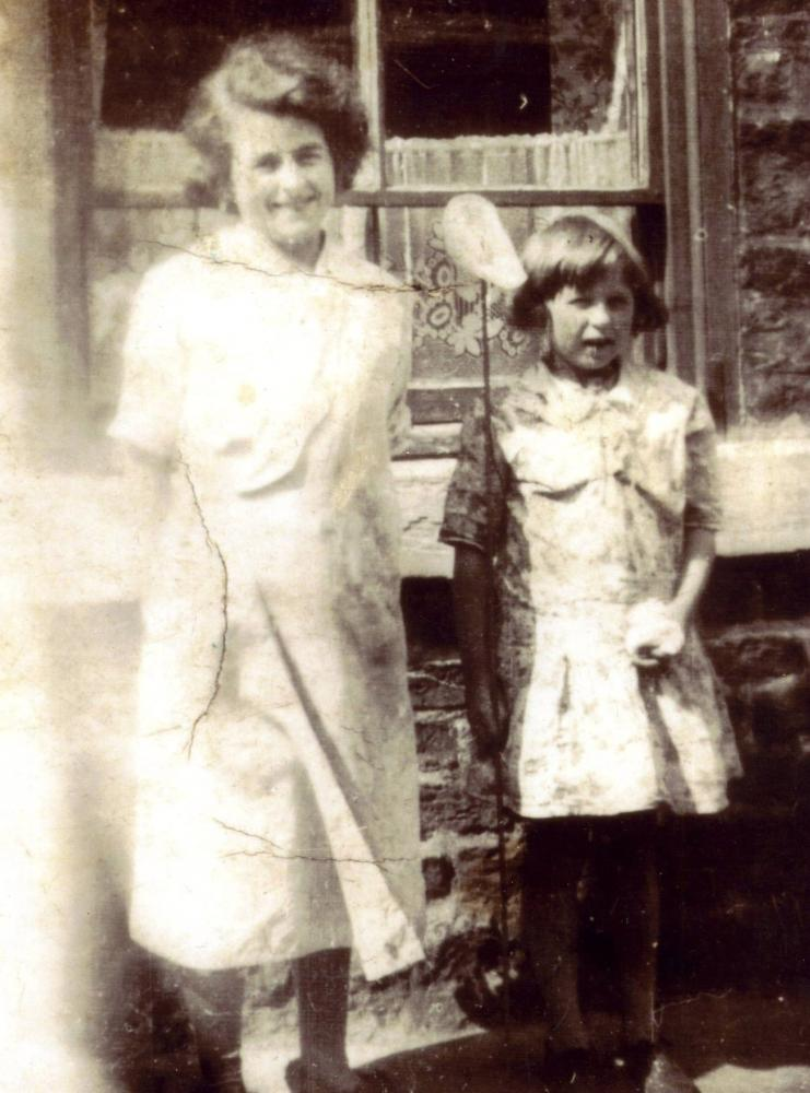 EUNICE WITH SISTER HARRIET