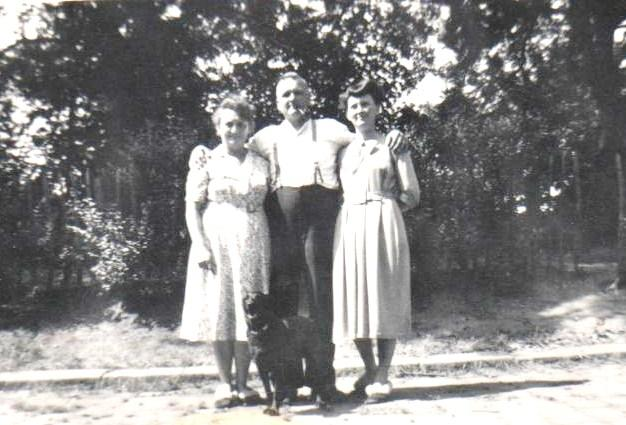 Barnes Family late 40`s