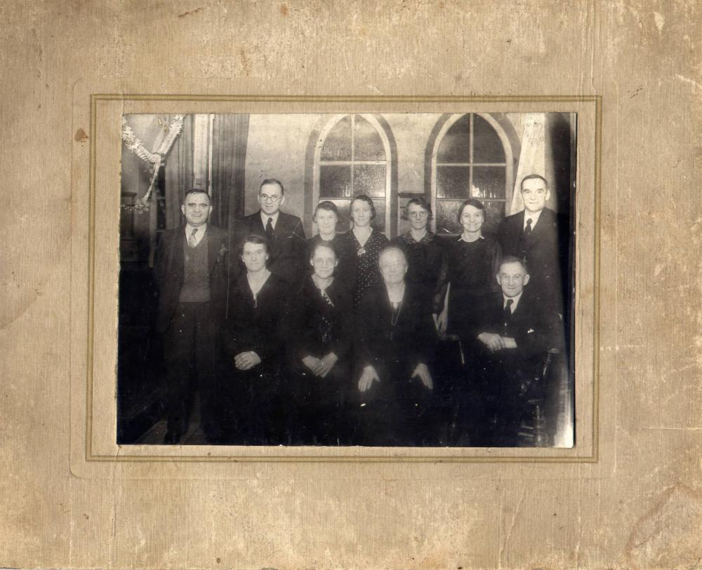Martlew family of Lamberhead Green, circa 1920s