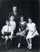 Peter Fairhurst and family, 1924.