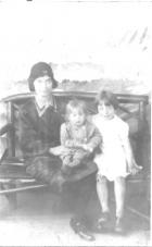 Emma Liptrot and daughters