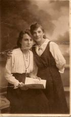 Evelyn and May Lewis