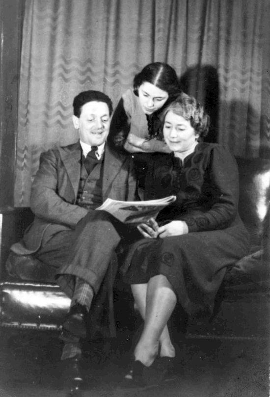 "Norman Holland, his daughter Margaret ""Peggy"" and his wife Beatrice ""Beatty"" née Gore, c1941."