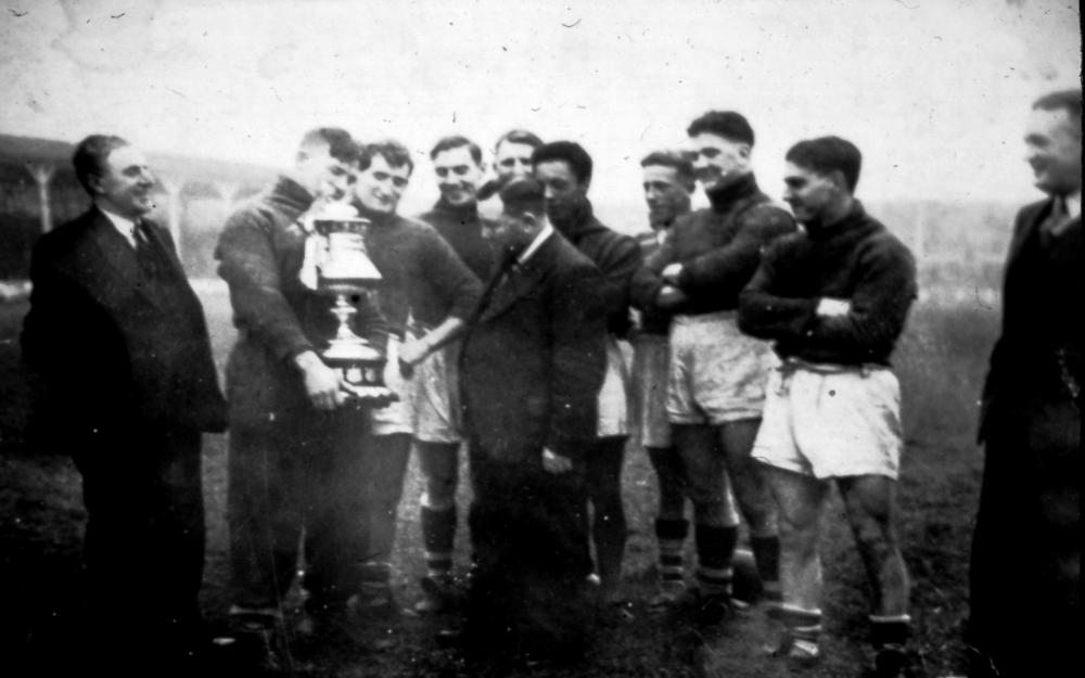 Wigan's Lancashire Cup win against favourites Salford (the Red Devils) in 1938