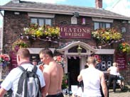 Heatons Bridge pub
