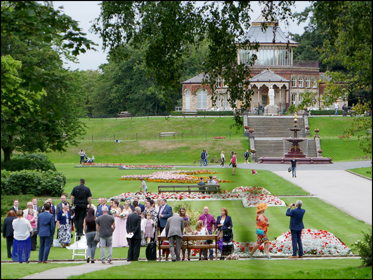 Wedding in Mesnes Park